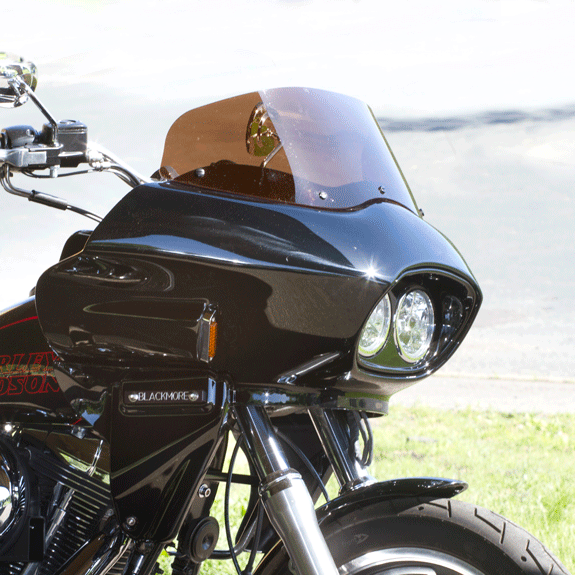 Frame mounted fairing on a Dyna motorcycle | Wedge Fairing