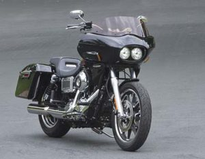 dyna motorcycle with wedge fairing