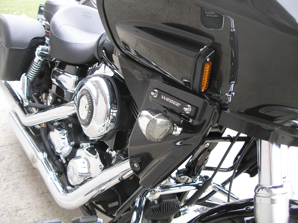 Dyna Super Glide with fairing, lowers, and mounting frame