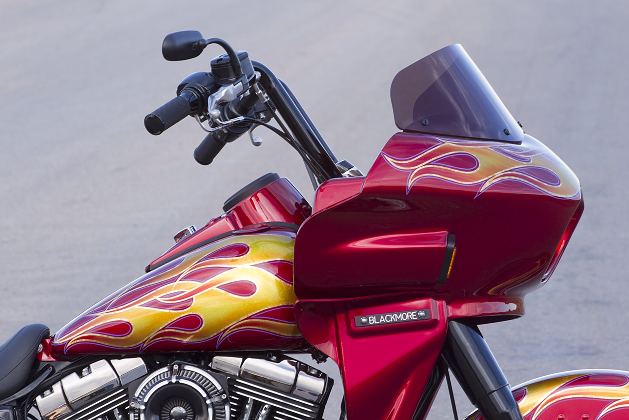Harley Dyna Switchback with fairing | Wedge Fairing