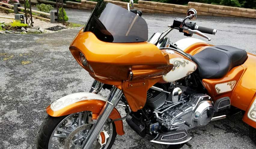 Harley freewheeler with fairing, 3/4 view